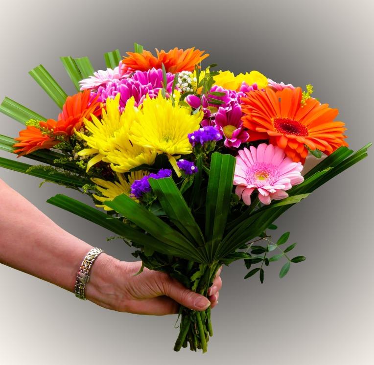 flowers-1369842_1920
