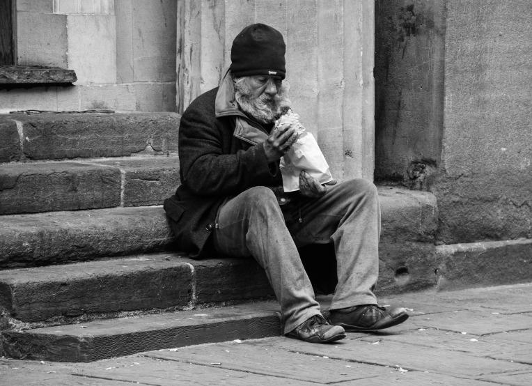 homeless-2532754_1920