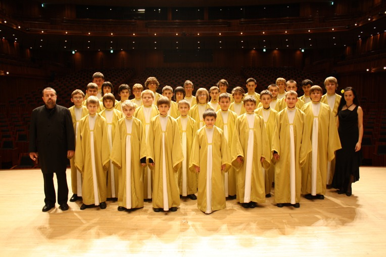 person-music-group-choir-musician-profession-1353301-pxhere.com